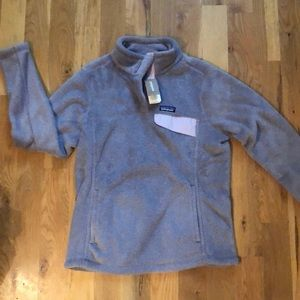 Patagonia pullover size L. New with tags.